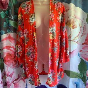 4/$20🎃Pink Republic Floral Short Kimono